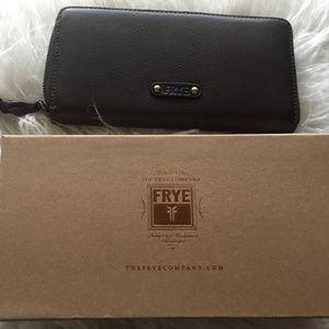 Frye Dark Brown Leather Accordion Zip Wallet NWT
